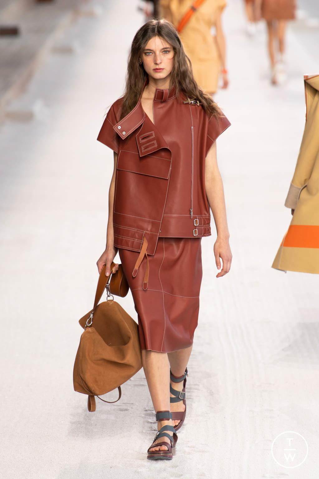 Fashion Week Paris Spring/Summer 2019 look 12 de la collection Hermès womenswear