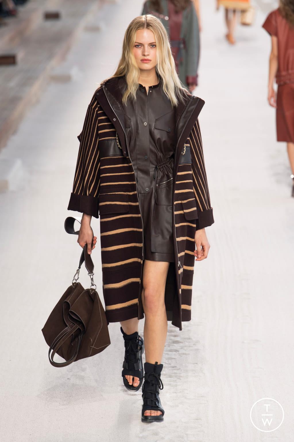 Fashion Week Paris Spring/Summer 2019 look 14 de la collection Hermès womenswear