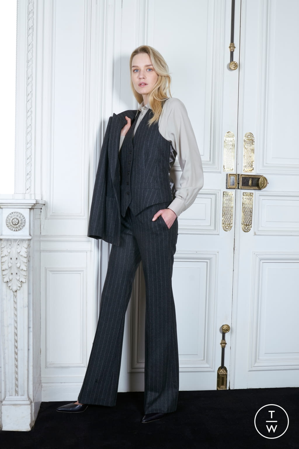 Fashion Week Paris Fall/Winter 2019 look 19 from the Pallas Paris collection womenswear