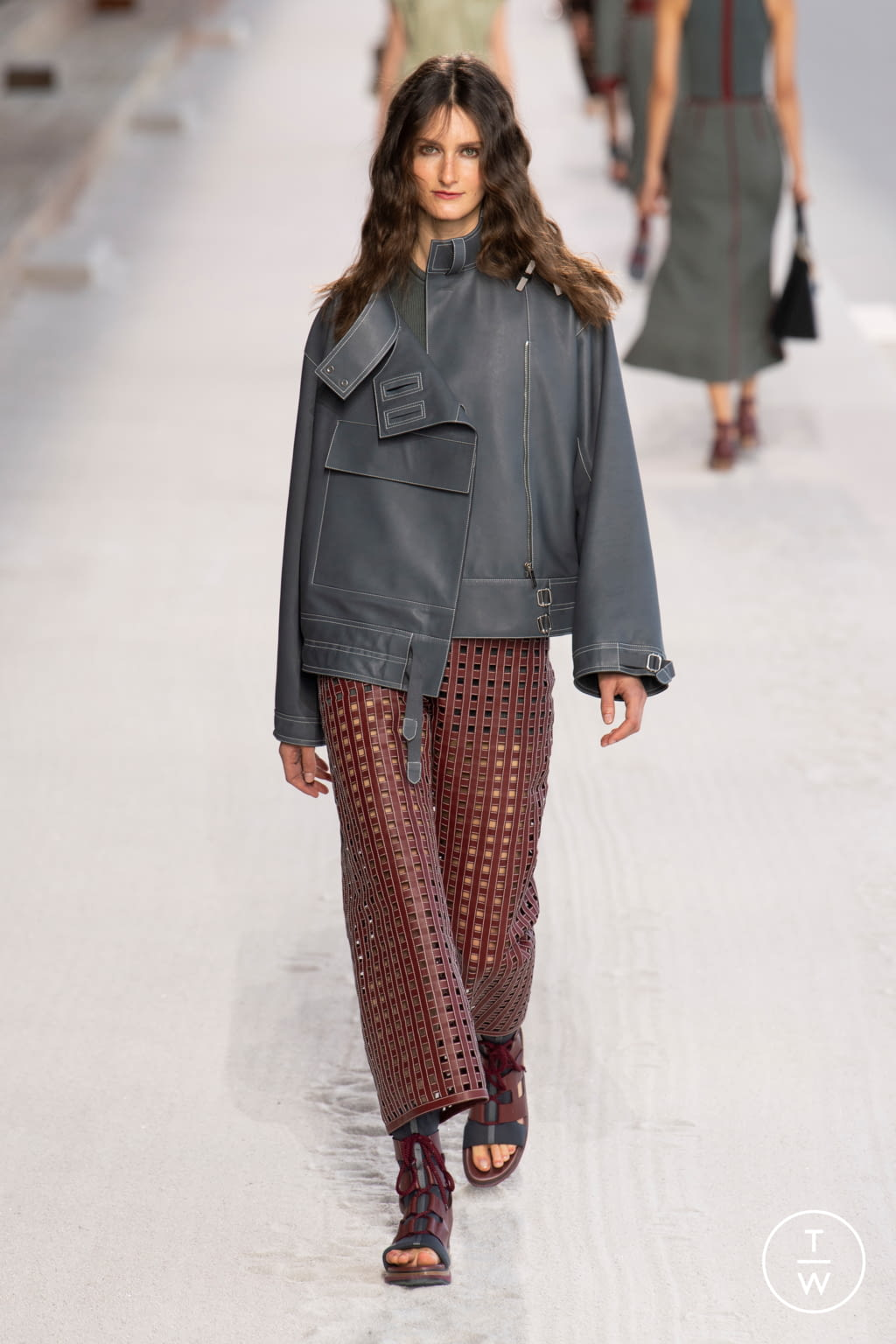 Fashion Week Paris Spring/Summer 2019 look 18 from the Hermès collection womenswear