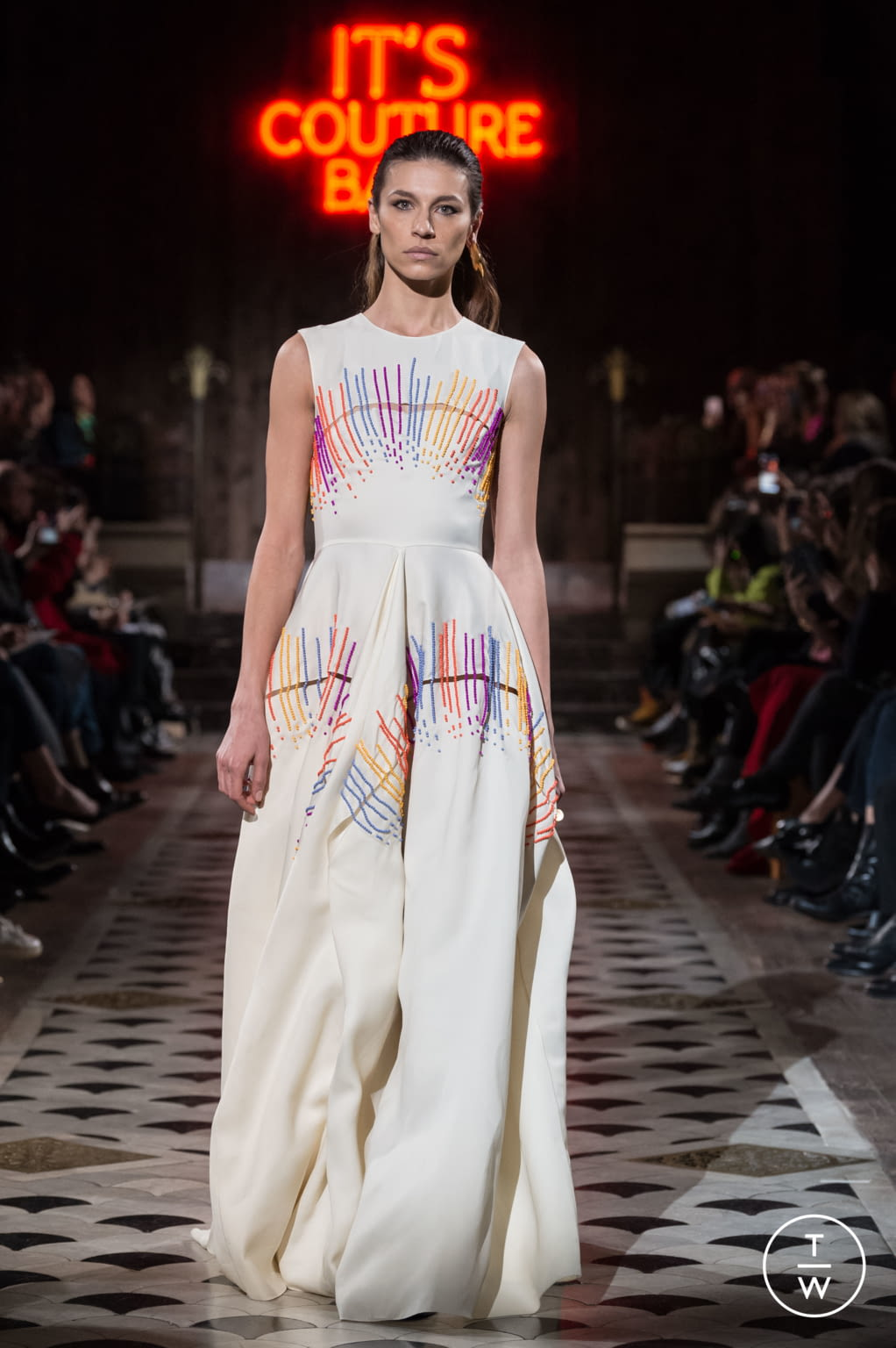 Fashion Week Paris Spring/Summer 2018 look 18 from the Maison Rabih Kayrouz collection couture