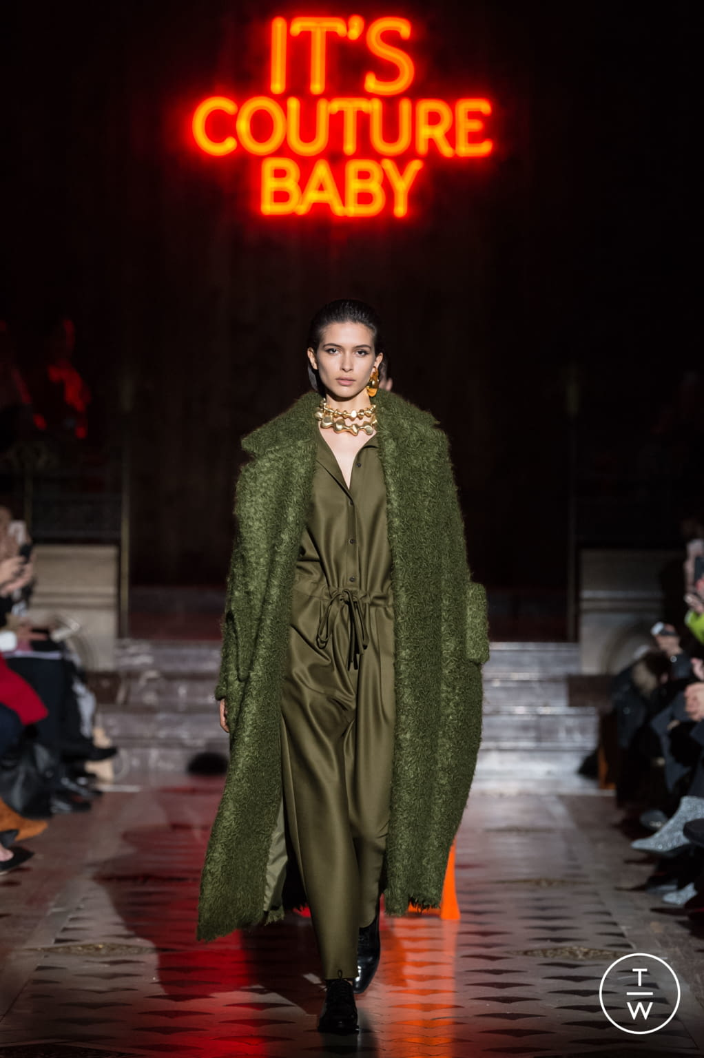 Fashion Week Paris Spring/Summer 2018 look 22 from the Maison Rabih Kayrouz collection 高级定制
