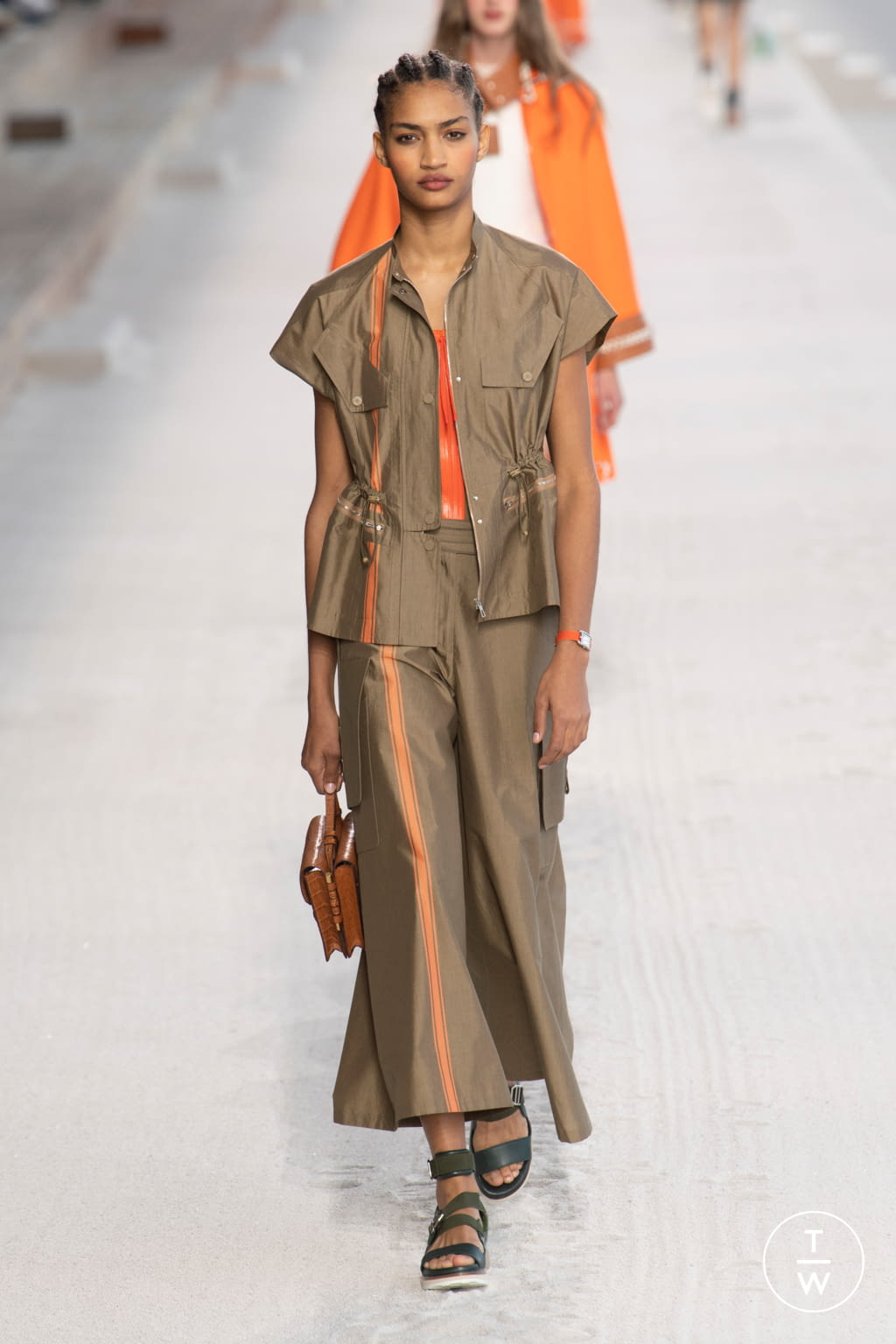 Fashion Week Paris Spring/Summer 2019 look 24 from the Hermès collection womenswear