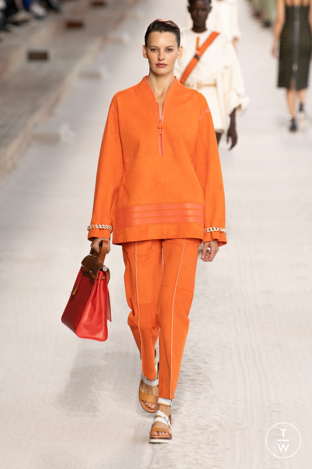 Fashion Week Paris Spring/Summer 2019 look 26 from the Hermès collection 女装