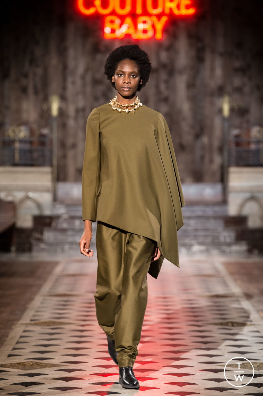Fashion Week Paris Spring/Summer 2018 look 32 from the Maison Rabih Kayrouz collection couture