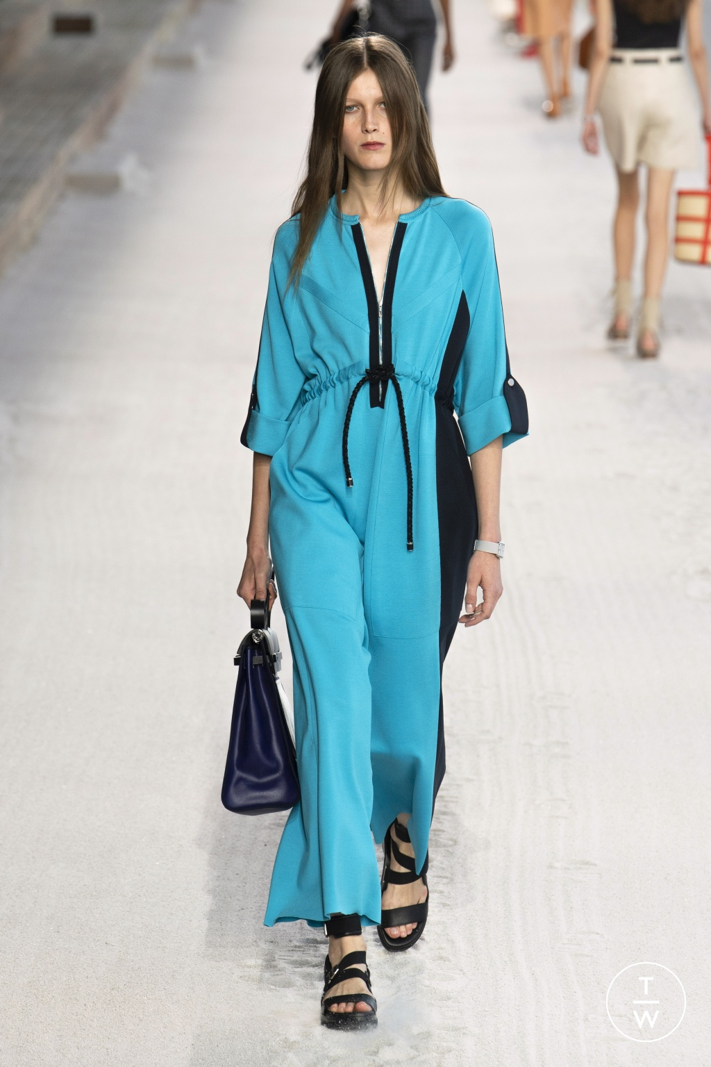Fashion Week Paris Spring/Summer 2019 look 33 from the Hermès collection 女装