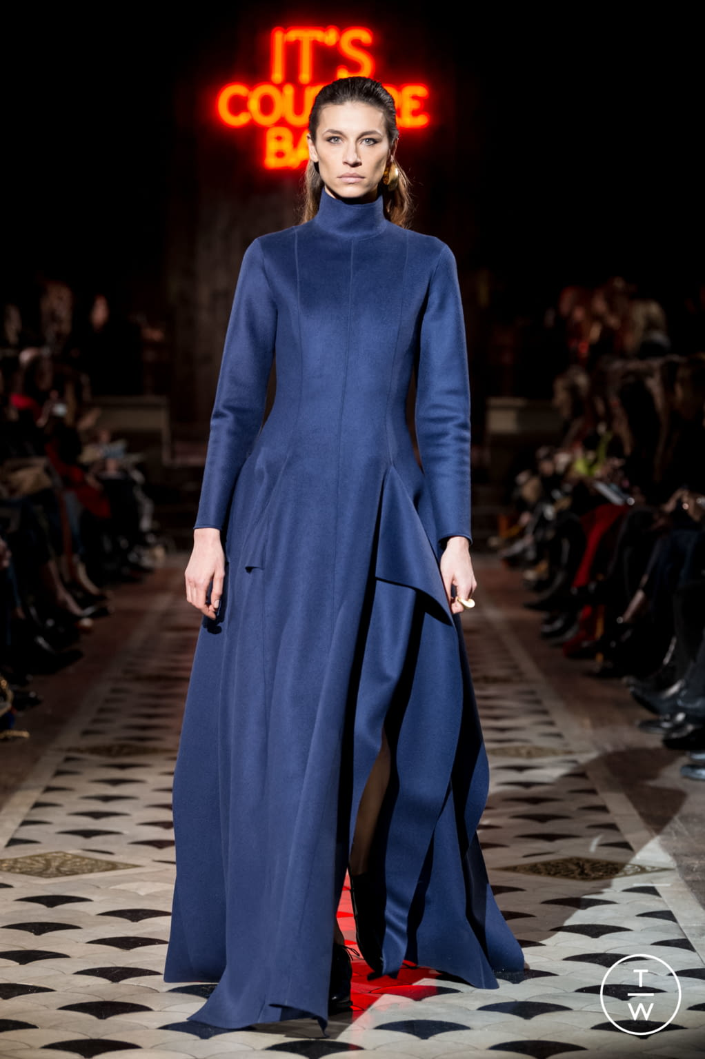 Fashion Week Paris Spring/Summer 2018 look 38 de la collection Maison Rabih Kayrouz couture
