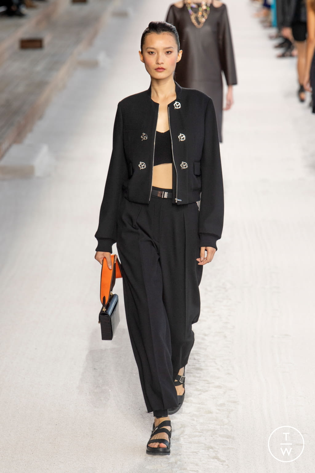 Fashion Week Paris Spring/Summer 2019 look 39 from the Hermès collection 女装