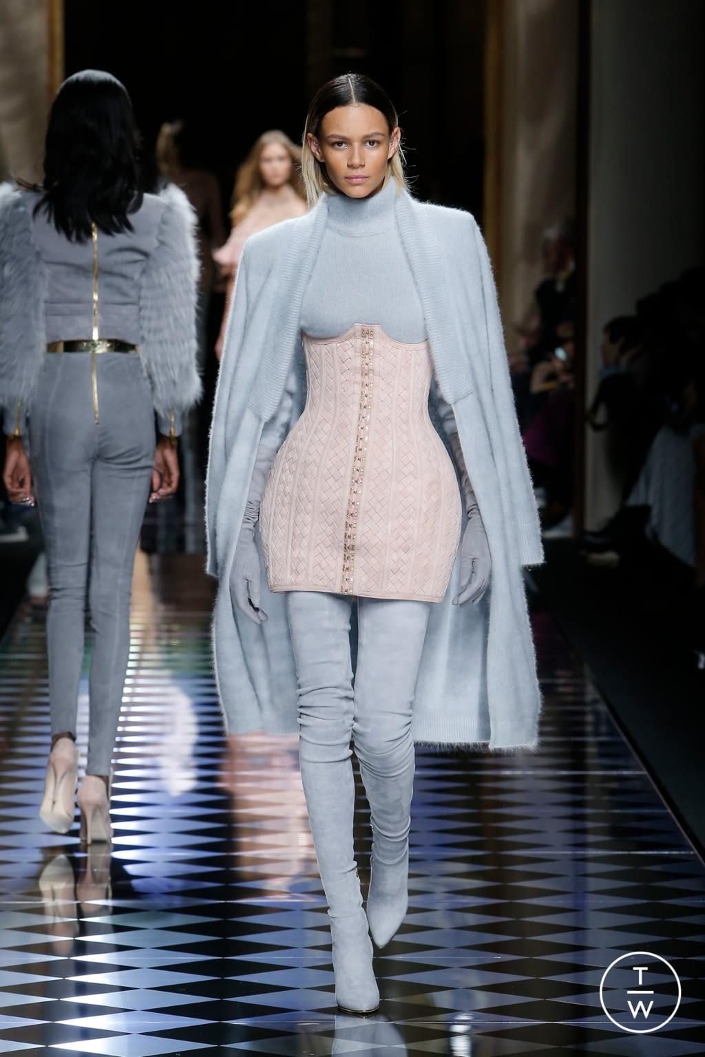 Fashion Week Paris Fall/Winter 2016 look 6 from the Balmain collection womenswear