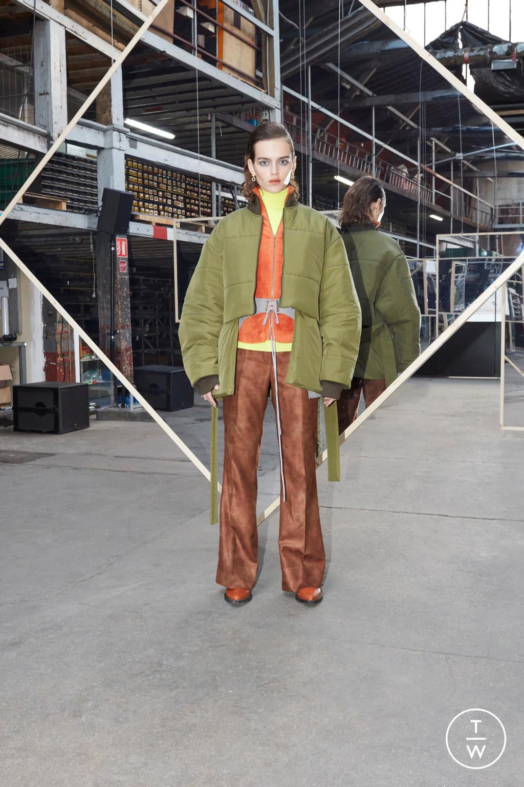 Fashion Week Paris Fall/Winter 2020 look 8 de la collection Maison Kitsuné womenswear