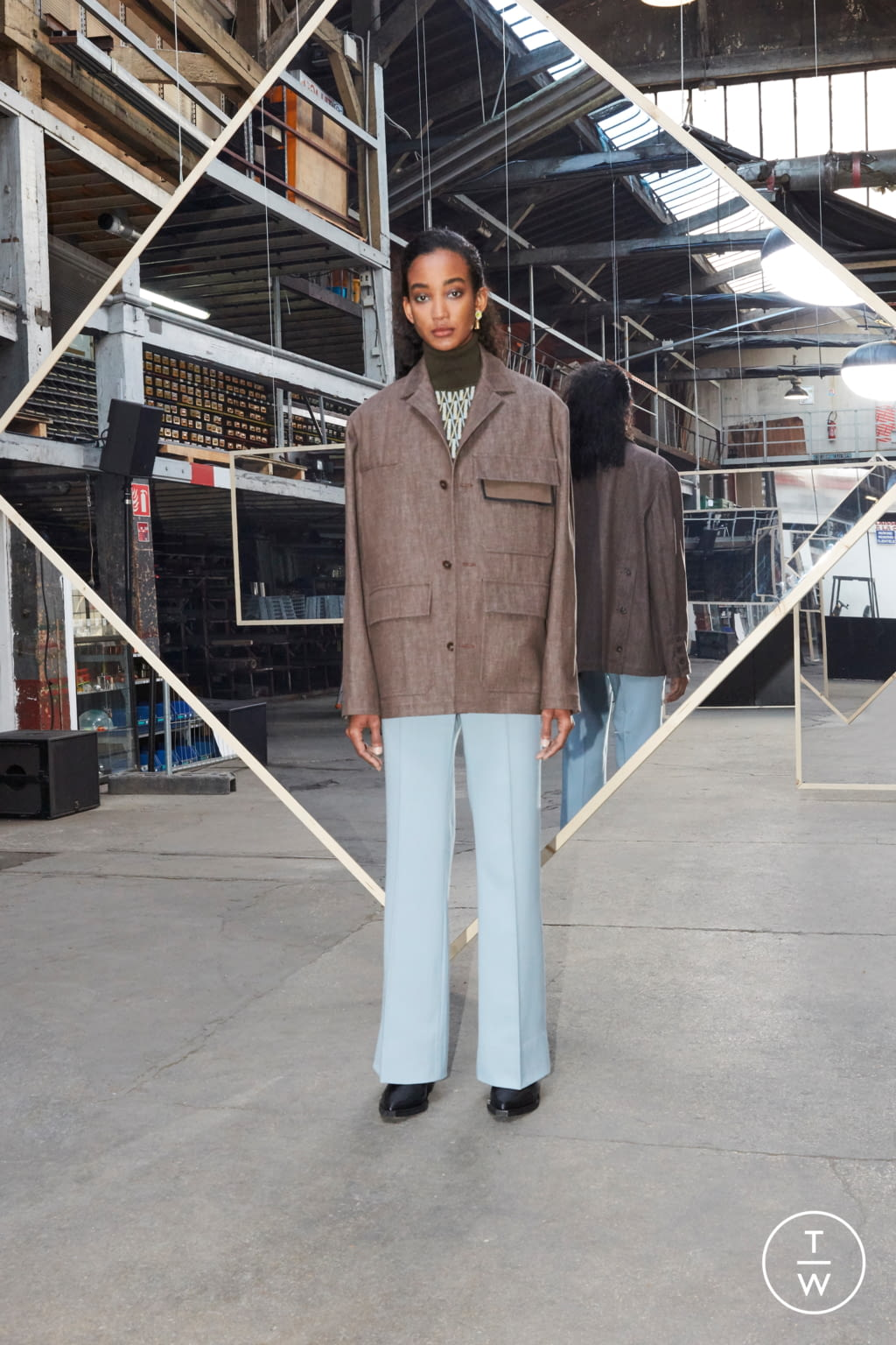 Fashion Week Paris Fall/Winter 2020 look 9 de la collection Maison Kitsuné womenswear