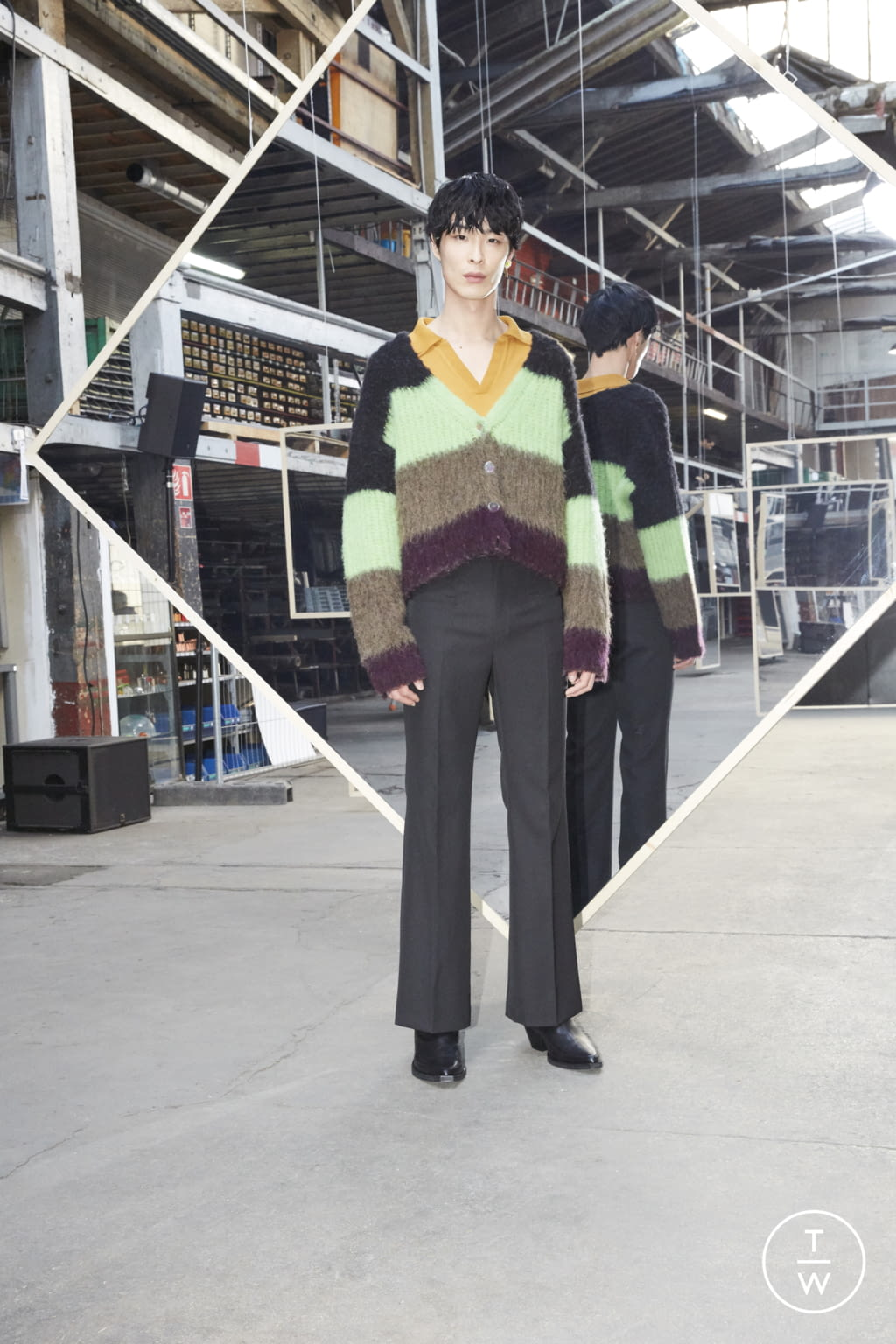 Fashion Week Paris Fall/Winter 2020 look 21 de la collection Maison Kitsuné menswear