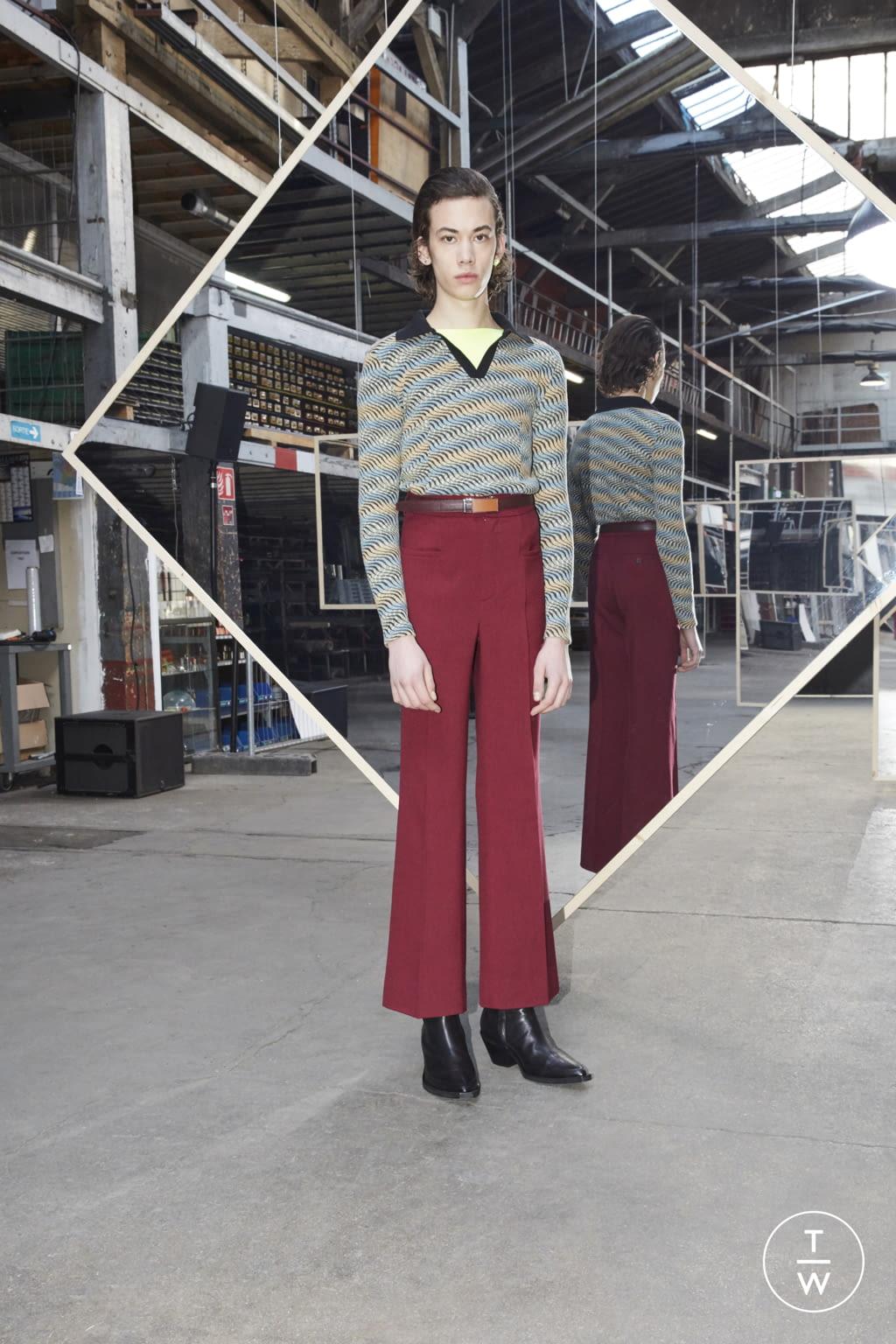 Fashion Week Paris Fall/Winter 2020 look 22 de la collection Maison Kitsuné menswear