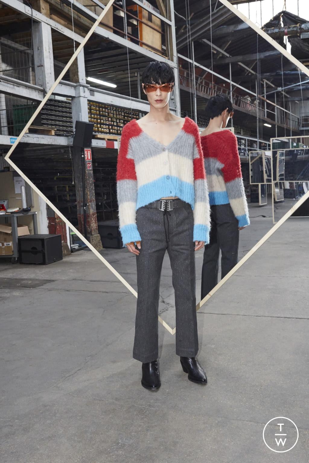 Fashion Week Paris Fall/Winter 2020 look 25 de la collection Maison Kitsuné menswear