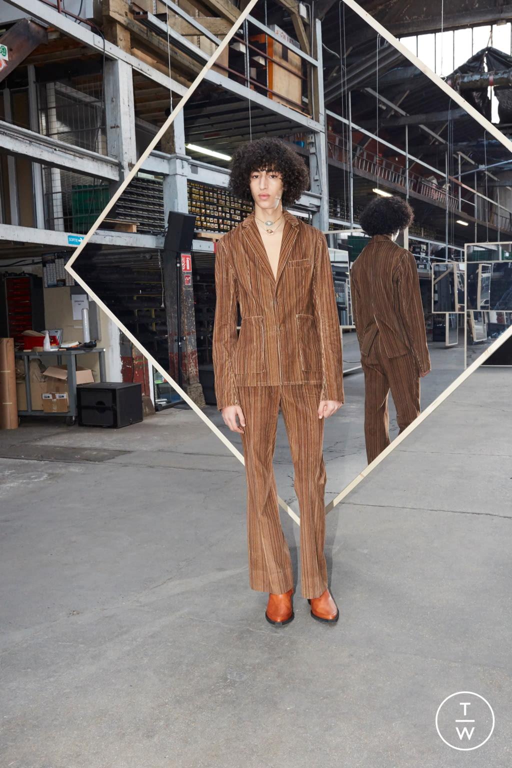 Fashion Week Paris Fall/Winter 2020 look 30 de la collection Maison Kitsuné menswear
