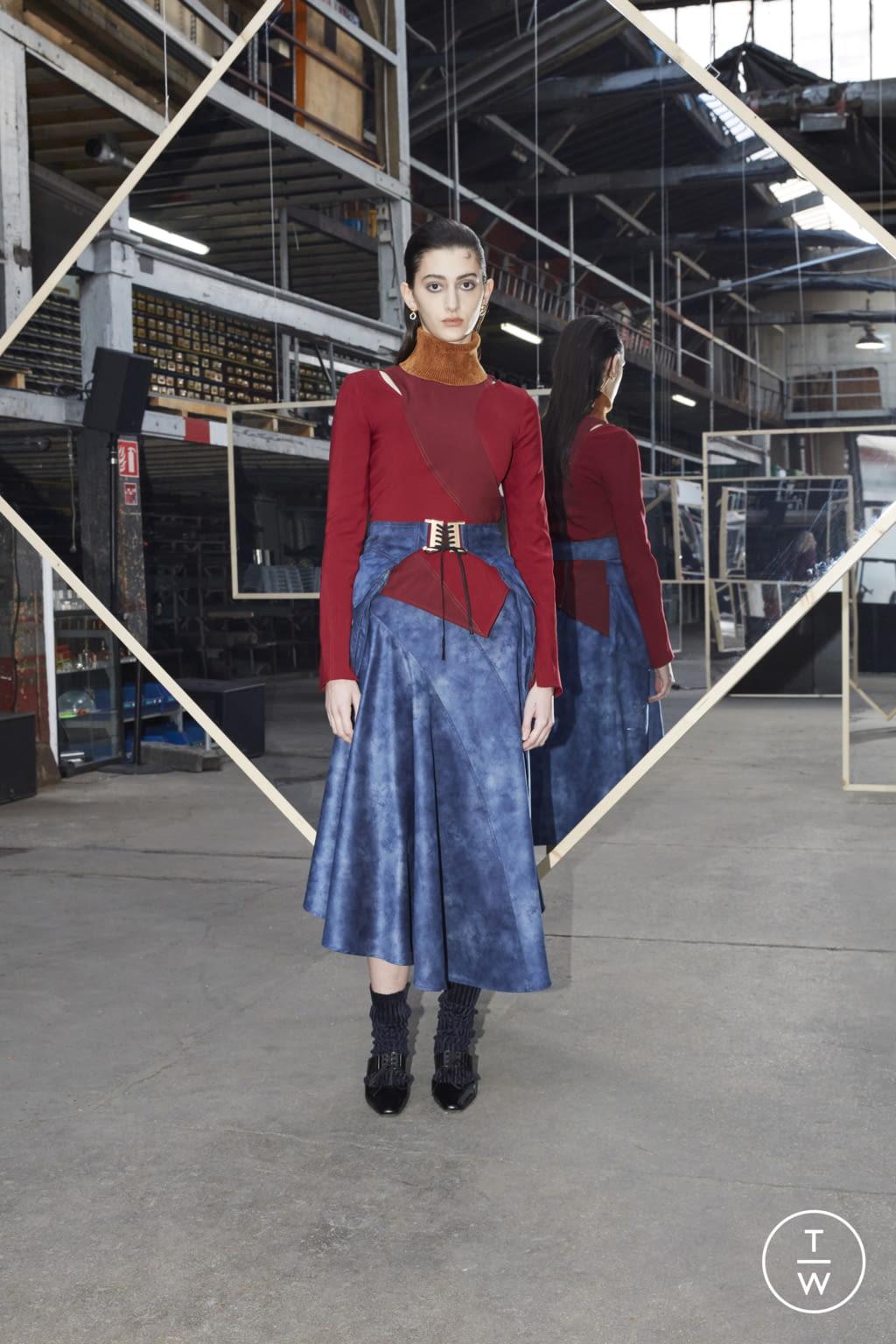 Fashion Week Paris Fall/Winter 2020 look 31 de la collection Maison Kitsuné womenswear