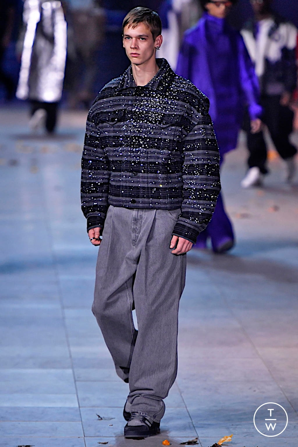 Fashion Week Paris Fall/Winter 2019 look 28 from the Louis Vuitton collection 男装