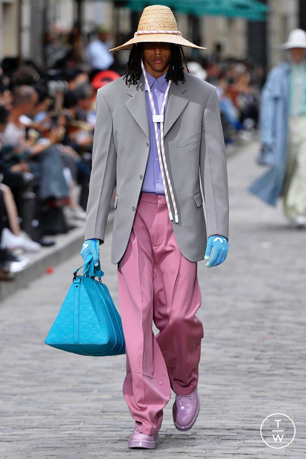 Fashion Week Paris Spring/Summer 2020 look 1 from the Louis Vuitton collection menswear