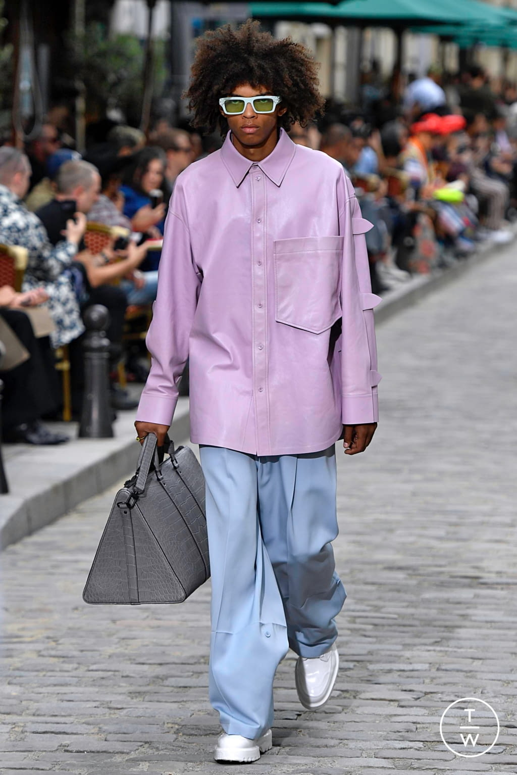 Fashion Week Paris Spring/Summer 2020 look 3 from the Louis Vuitton collection menswear