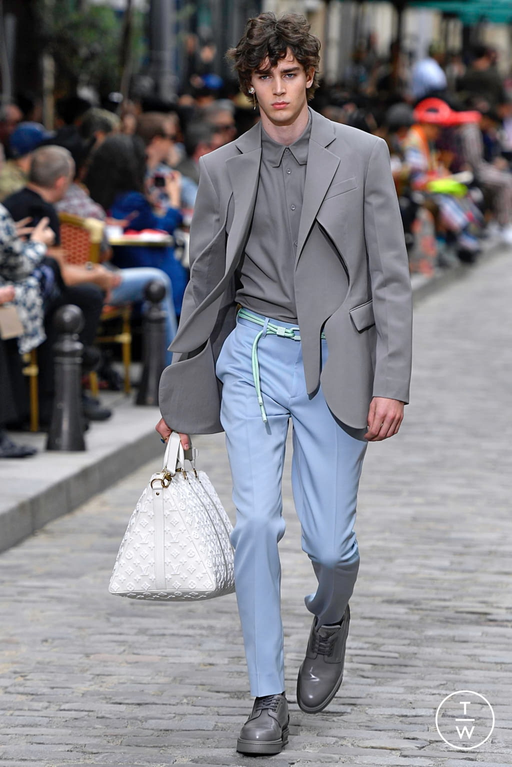 Fashion Week Paris Spring/Summer 2020 look 8 from the Louis Vuitton collection menswear