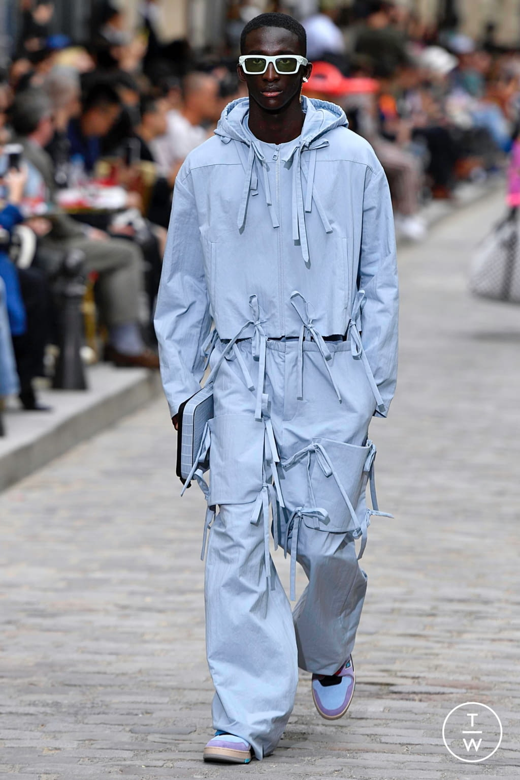 Fashion Week Paris Spring/Summer 2020 look 13 from the Louis Vuitton collection menswear