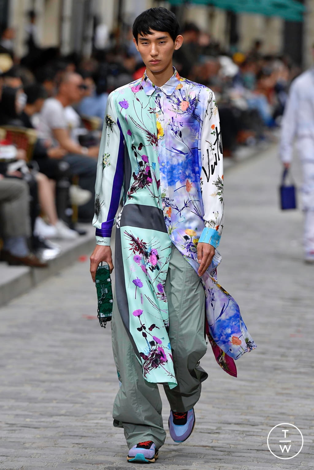 Fashion Week Paris Spring/Summer 2020 look 18 from the Louis Vuitton collection menswear
