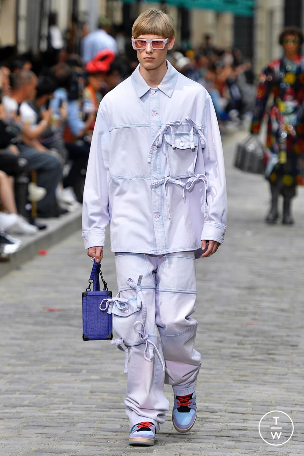 Fashion Week Paris Spring/Summer 2020 look 19 from the Louis Vuitton collection menswear