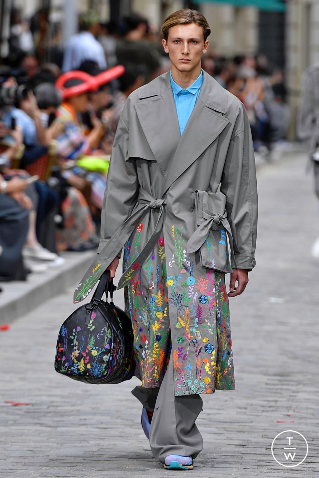 Fashion Week Paris Spring/Summer 2020 look 28 from the Louis Vuitton collection menswear