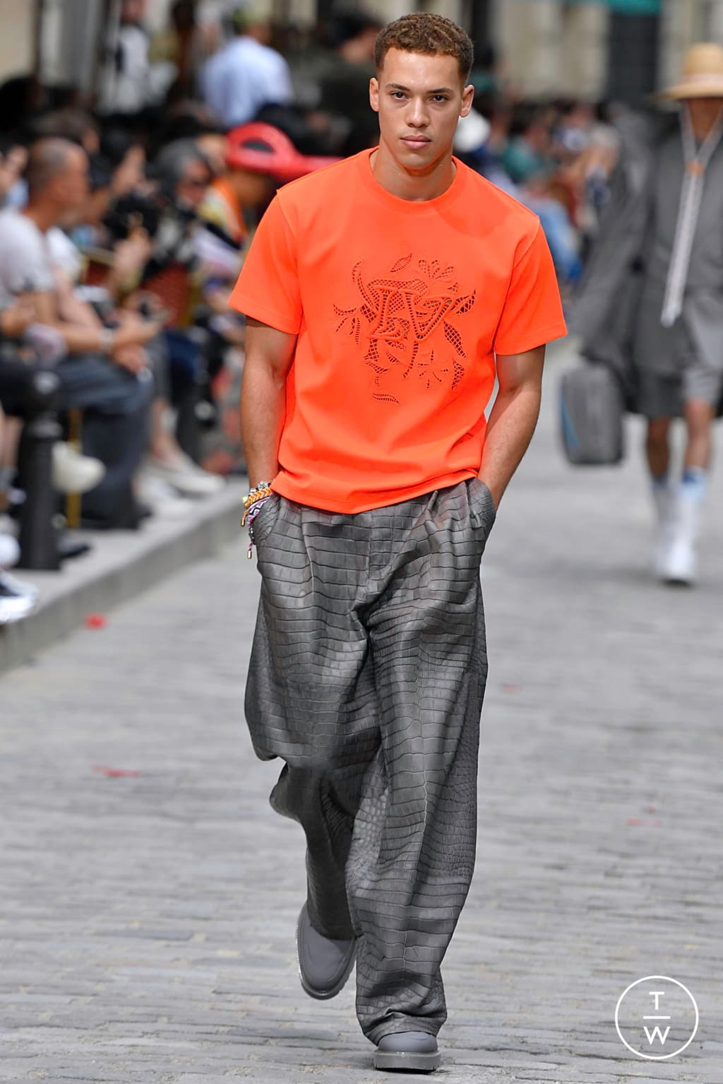 Fashion Week Paris Spring/Summer 2020 look 31 from the Louis Vuitton collection menswear