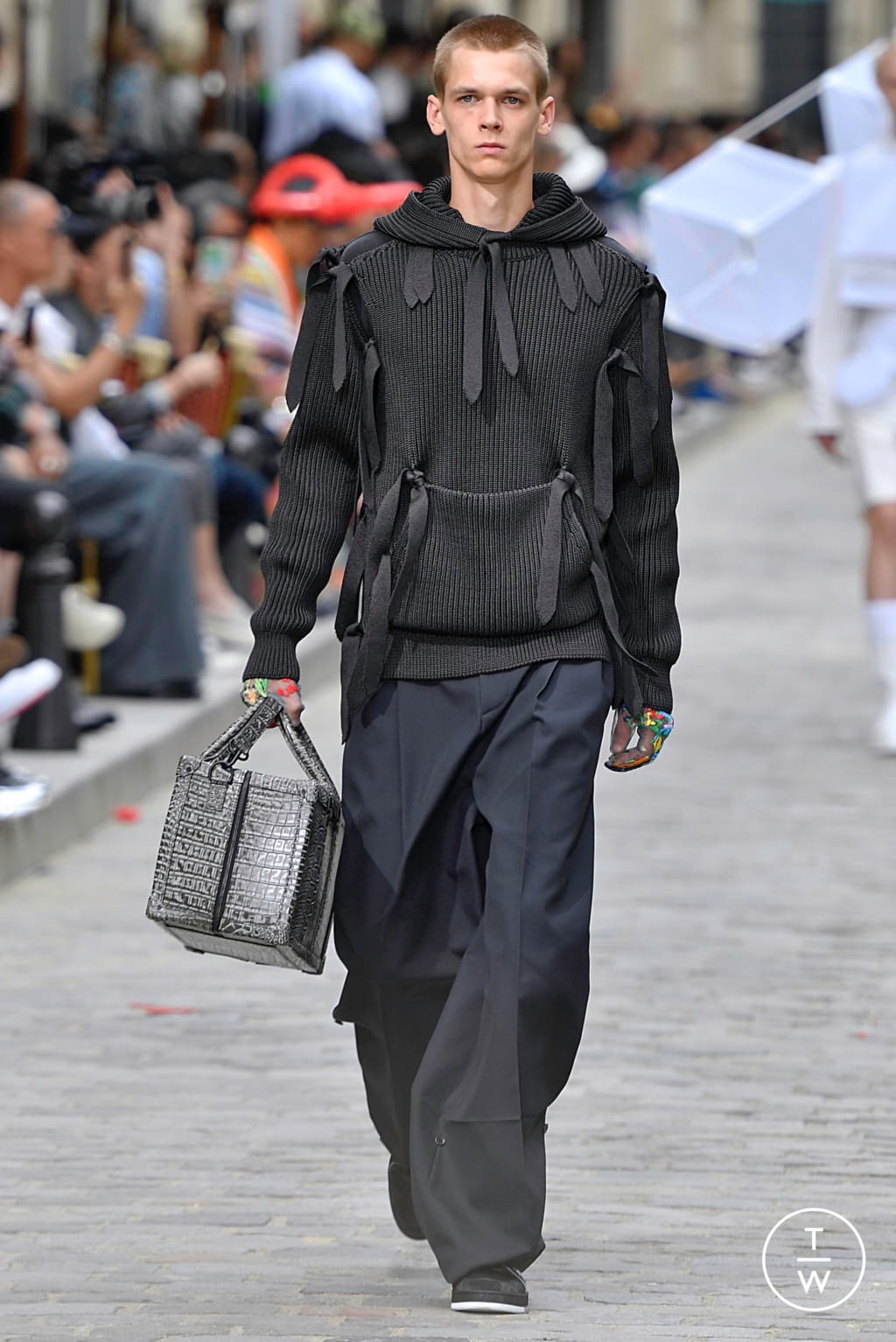 Fashion Week Paris Spring/Summer 2020 look 51 from the Louis Vuitton collection menswear