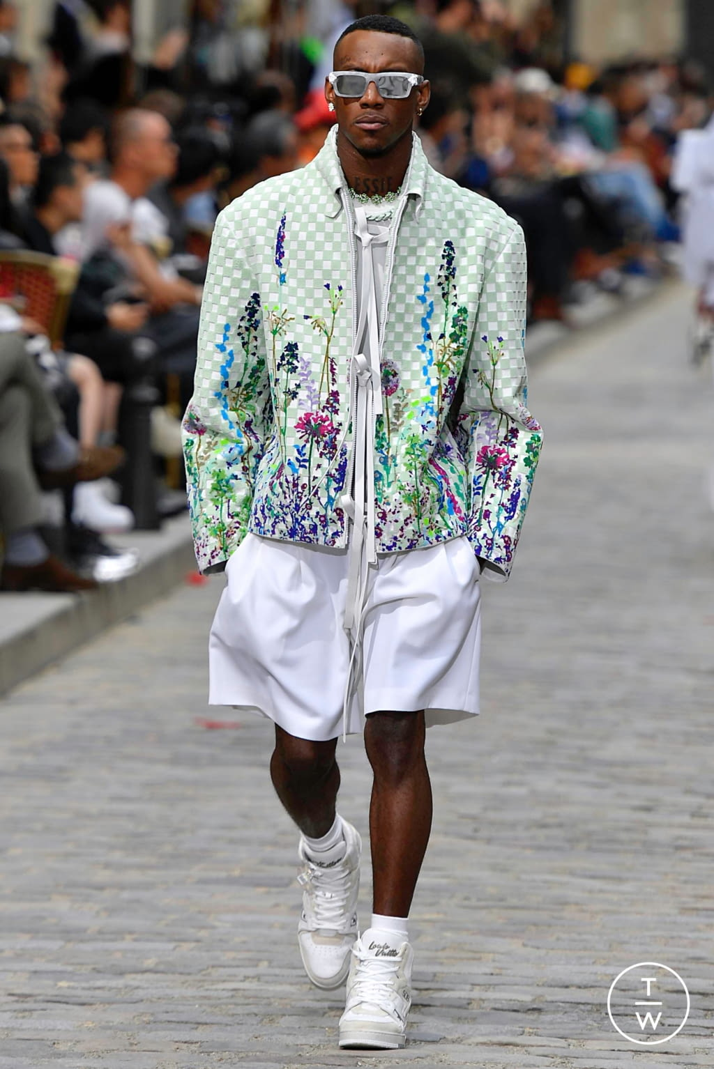 Fashion Week Paris Spring/Summer 2020 look 56 from the Louis Vuitton collection menswear