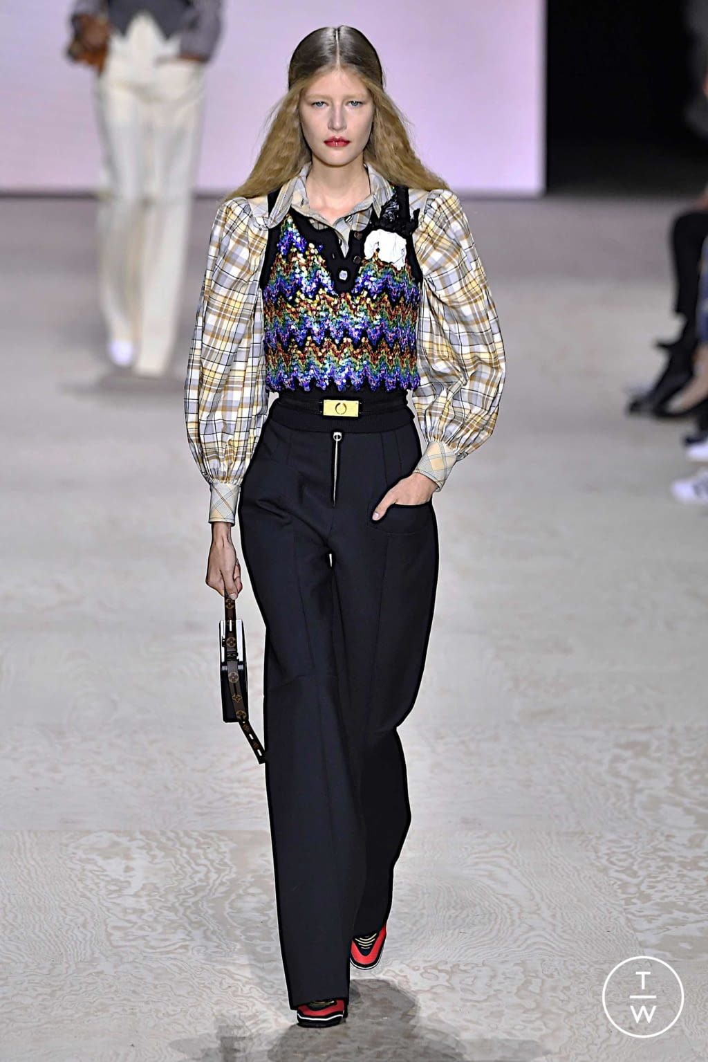 Fashion Week Paris Spring/Summer 2020 look 1 from the Louis Vuitton collection womenswear