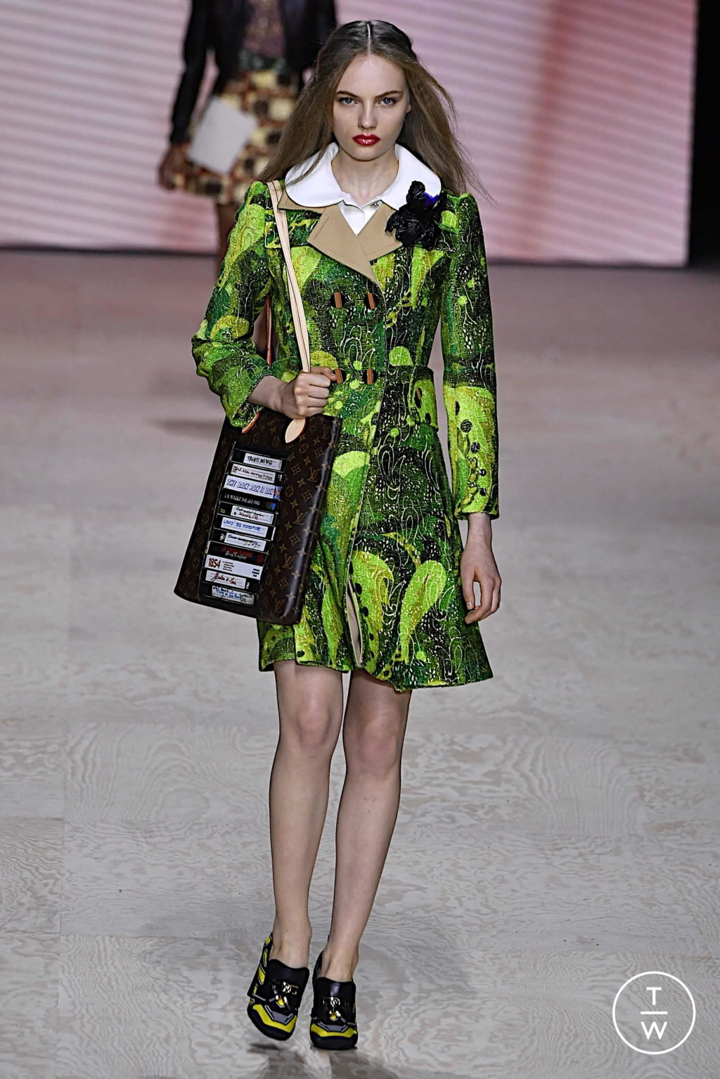 Fashion Week Paris Spring/Summer 2020 look 18 from the Louis Vuitton collection womenswear