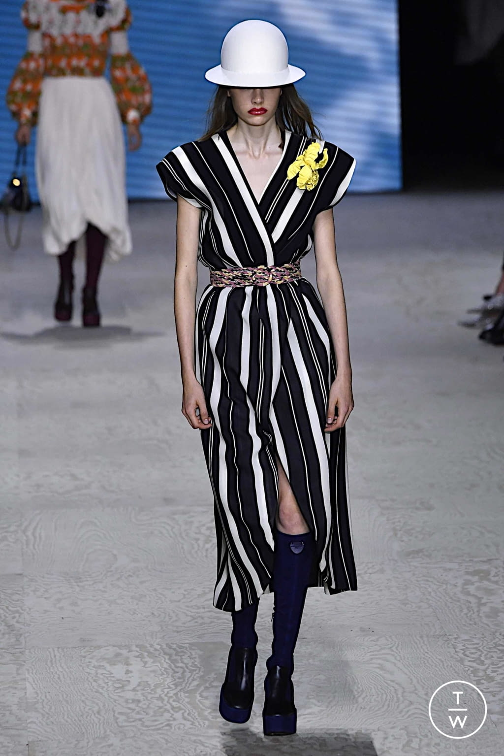 Fashion Week Paris Spring/Summer 2020 look 45 from the Louis Vuitton collection womenswear