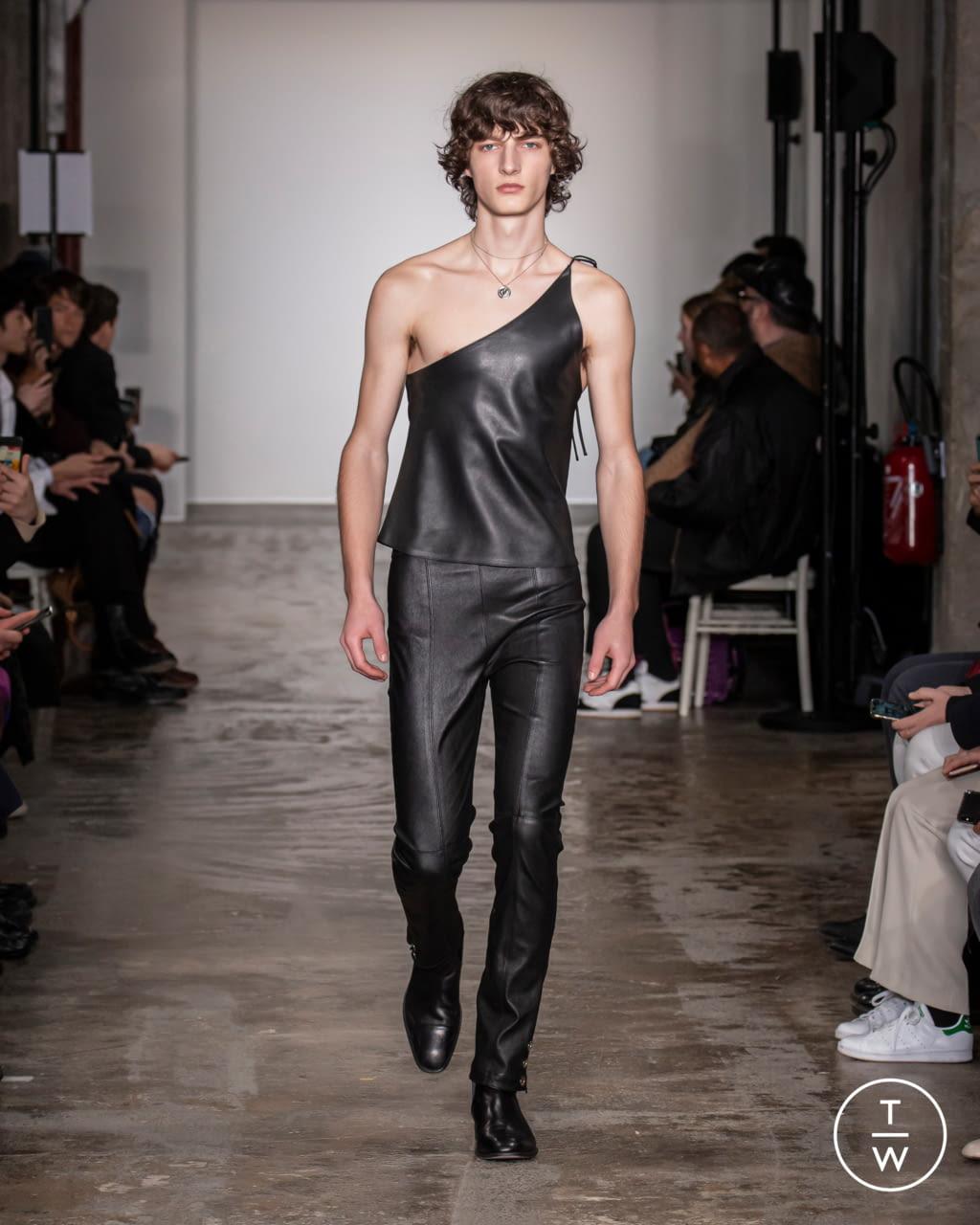 Fashion Week Paris Fall/Winter 2020 look 6 from the Ludovic de Saint Sernin collection menswear