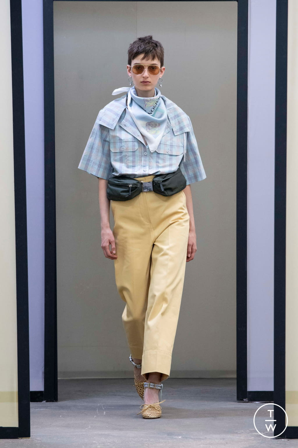 Fashion Week Paris Spring/Summer 2020 look 12 from the Maison Kitsuné collection menswear