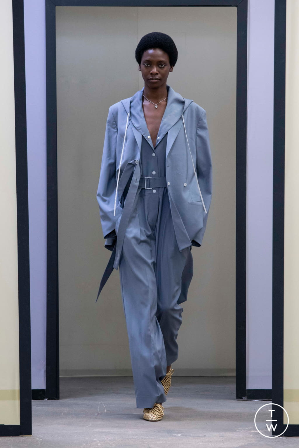 Fashion Week Paris Spring/Summer 2020 look 17 from the Maison Kitsuné collection menswear