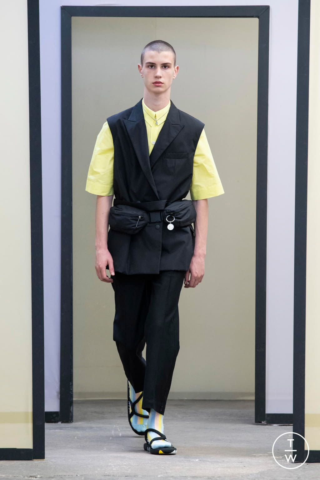 Fashion Week Paris Spring/Summer 2020 look 1 from the Maison Kitsuné collection menswear