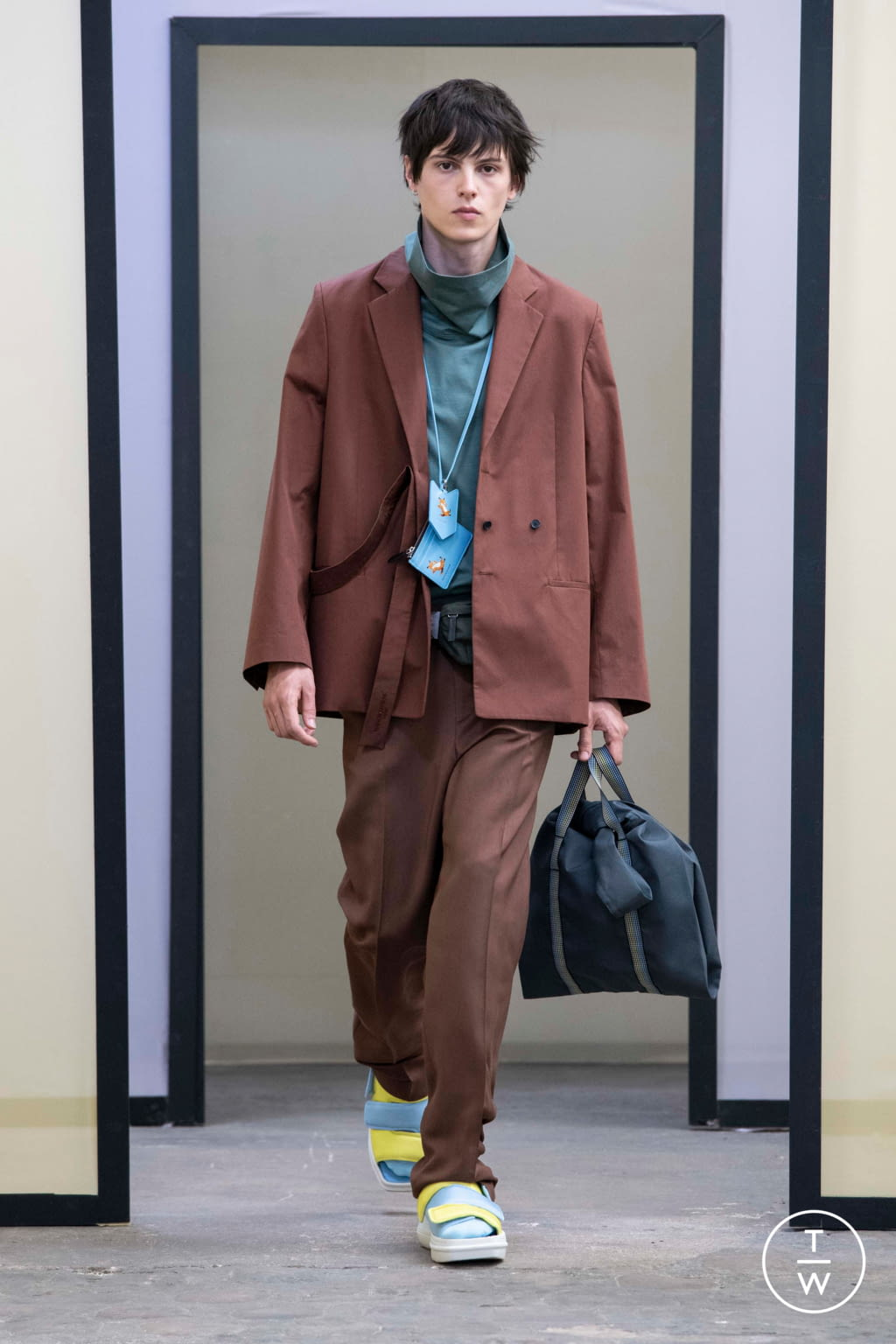 Fashion Week Paris Spring/Summer 2020 look 39 from the Maison Kitsuné collection menswear