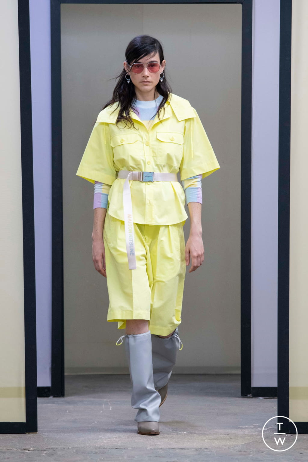 Fashion Week Paris Spring/Summer 2020 look 2 from the Maison Kitsuné collection menswear
