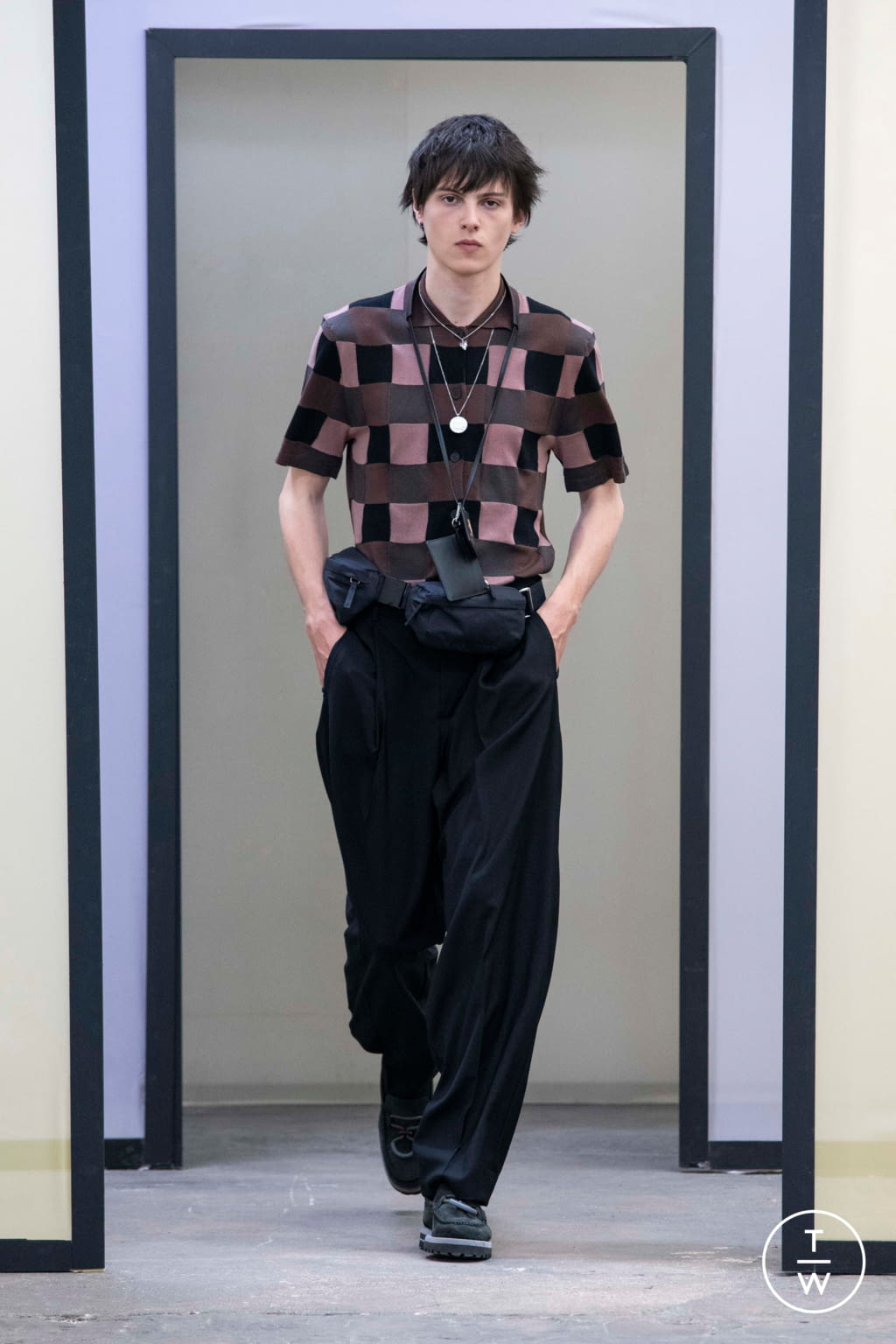 Fashion Week Paris Spring/Summer 2020 look 43 from the Maison Kitsuné collection menswear