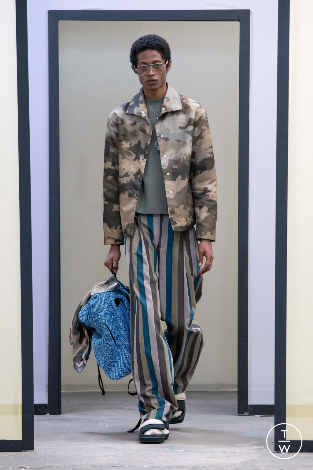 Fashion Week Paris Spring/Summer 2020 look 45 from the Maison Kitsuné collection menswear