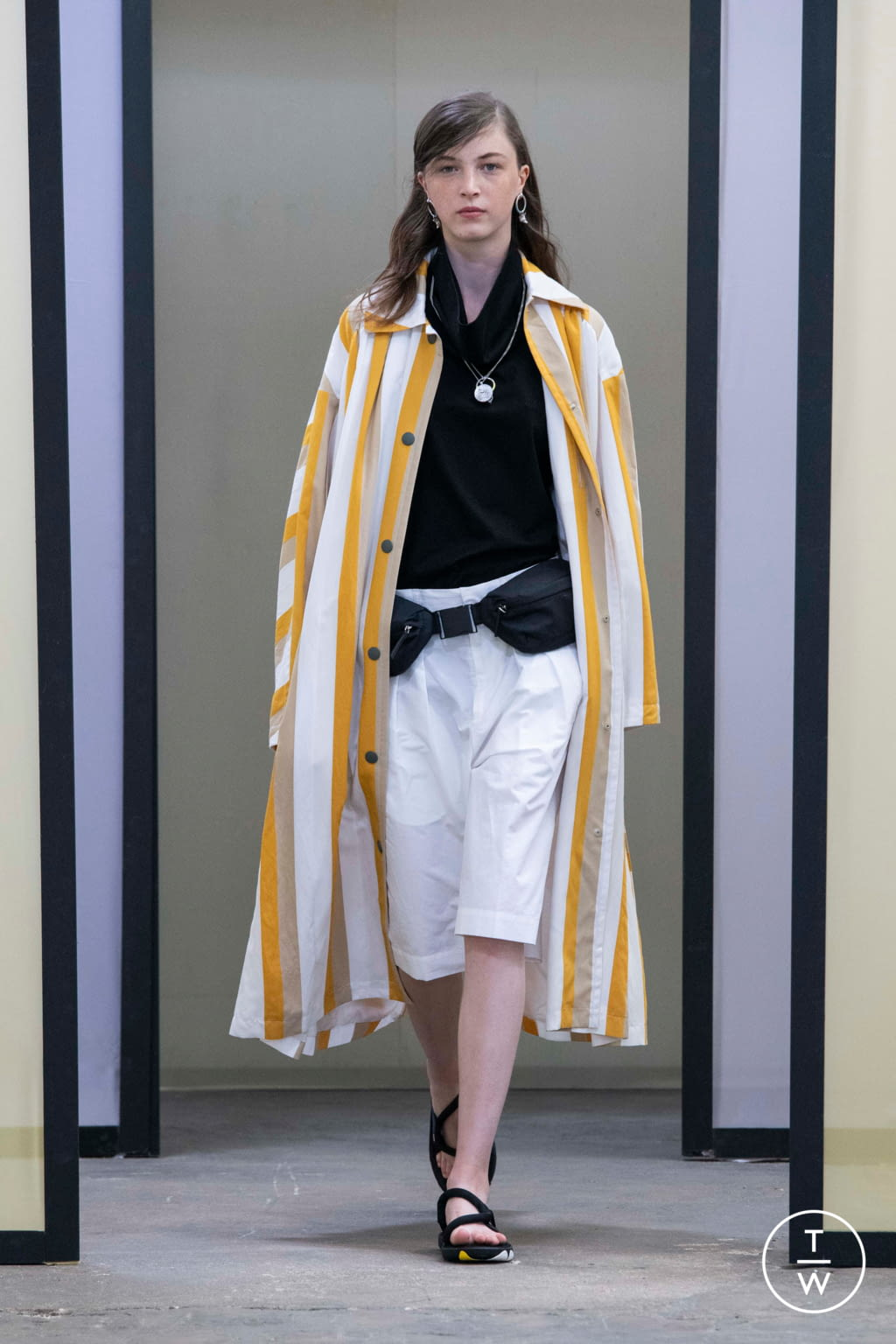 Fashion Week Paris Spring/Summer 2020 look 46 from the Maison Kitsuné collection menswear