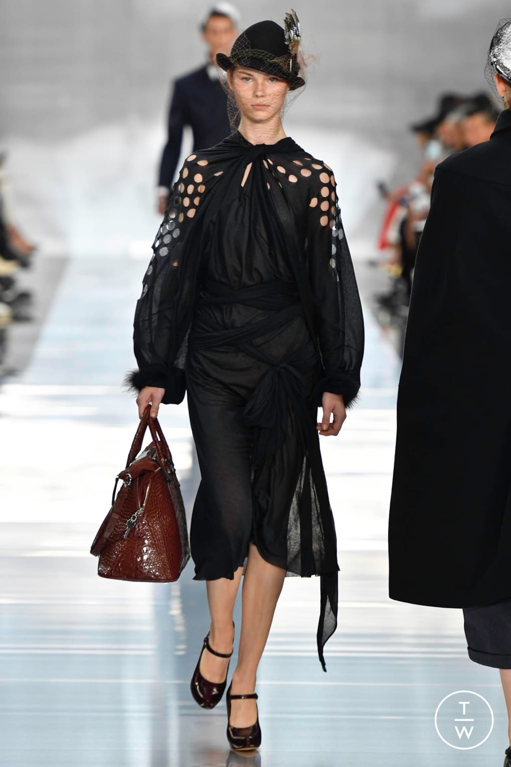 Fashion Week Paris Spring/Summer 2020 look 2 from the Maison Margiela collection 女装
