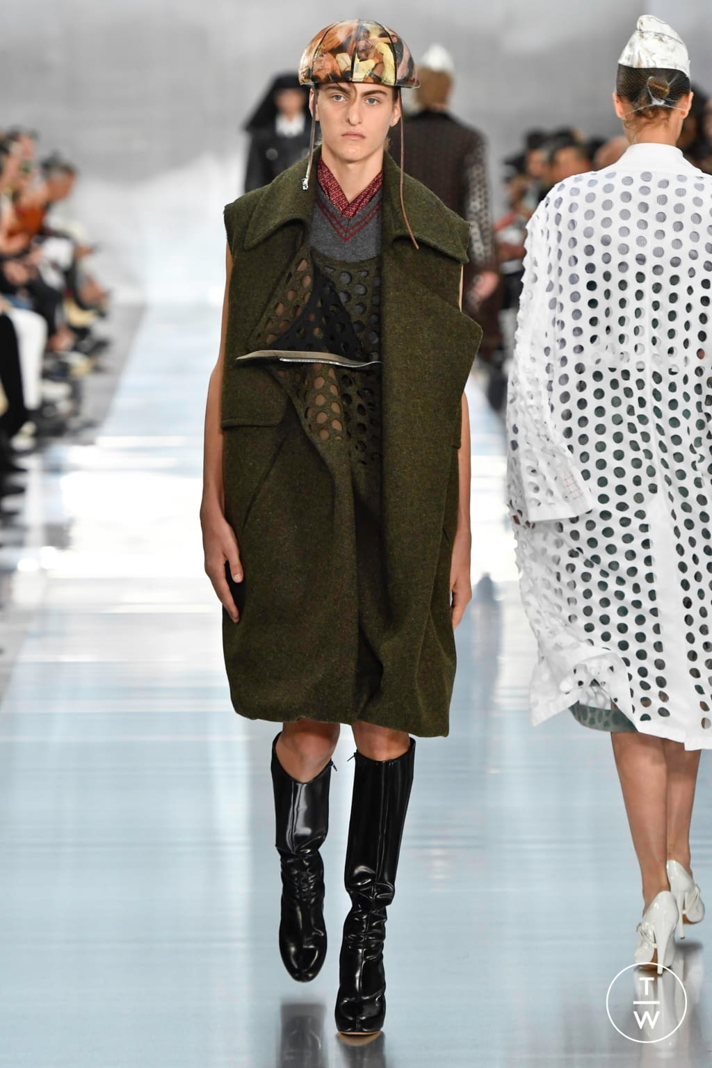 Fashion Week Paris Spring/Summer 2020 look 8 from the Maison Margiela collection womenswear