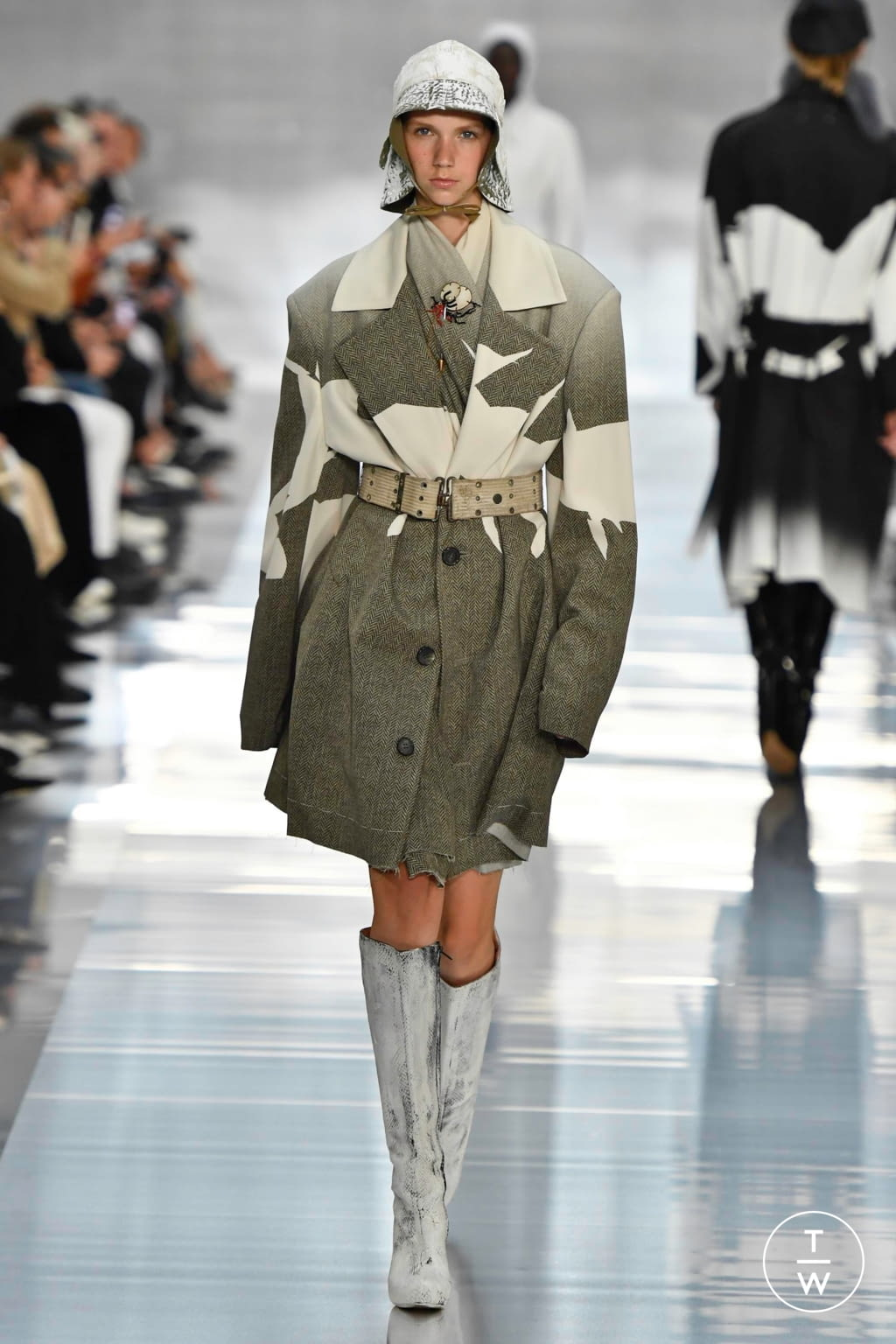 Fashion Week Paris Spring/Summer 2020 look 16 from the Maison Margiela collection womenswear