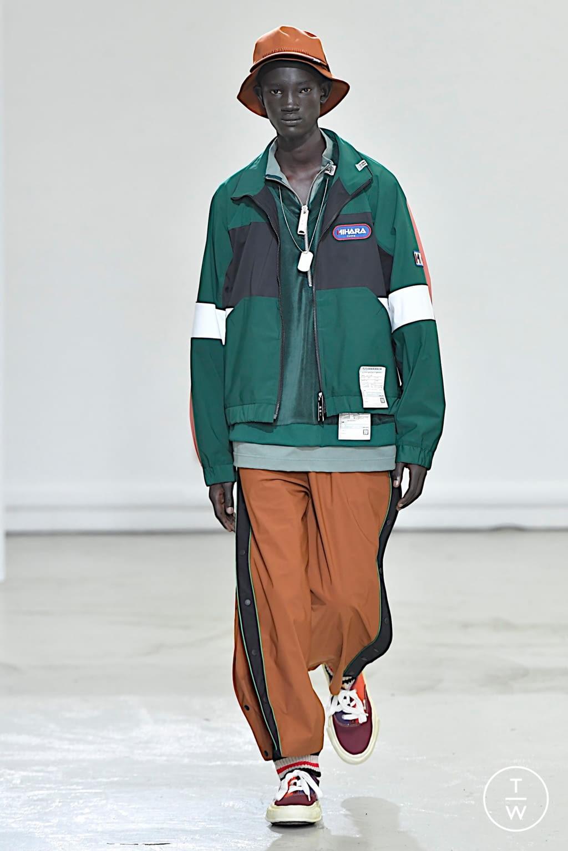 Fashion Week Paris Fall/Winter 2020 look 20 from the Maison Mihara Yasuhiro collection menswear