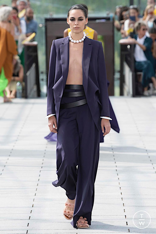 Fashion Week Paris Fall/Winter 2019 look 9 de la collection Maison Rabih Kayrouz couture