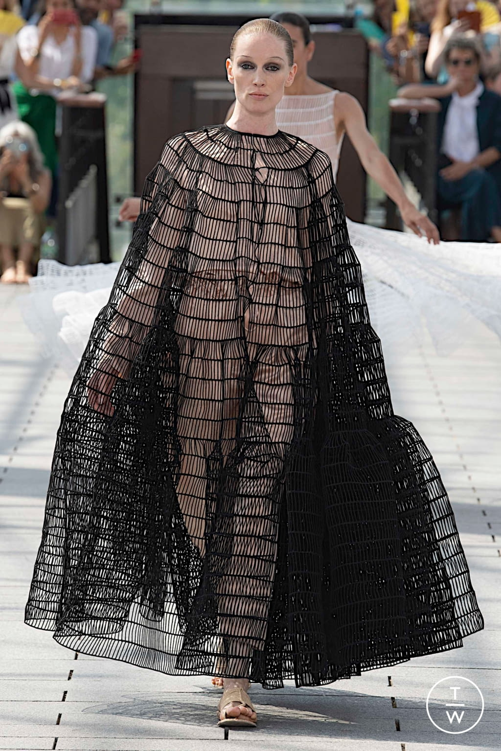 Fashion Week Paris Fall/Winter 2019 look 41 from the Maison Rabih Kayrouz collection couture