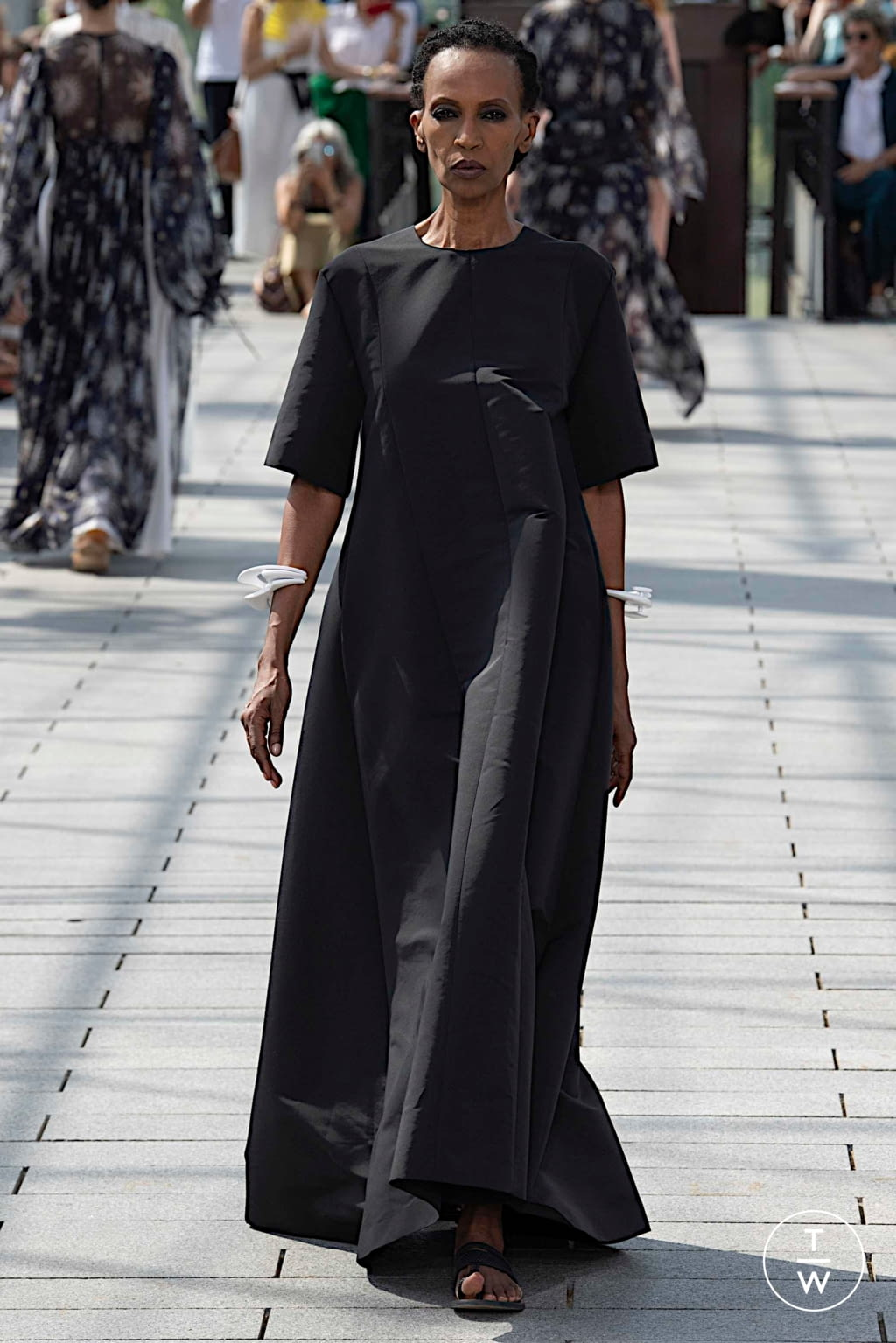 Fashion Week Paris Fall/Winter 2019 look 47 from the Maison Rabih Kayrouz collection couture
